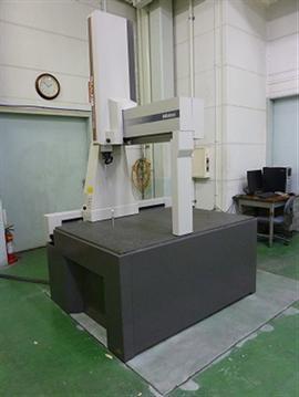 マニュアル式三次元測定機